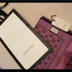 Gucci scarf 🧣